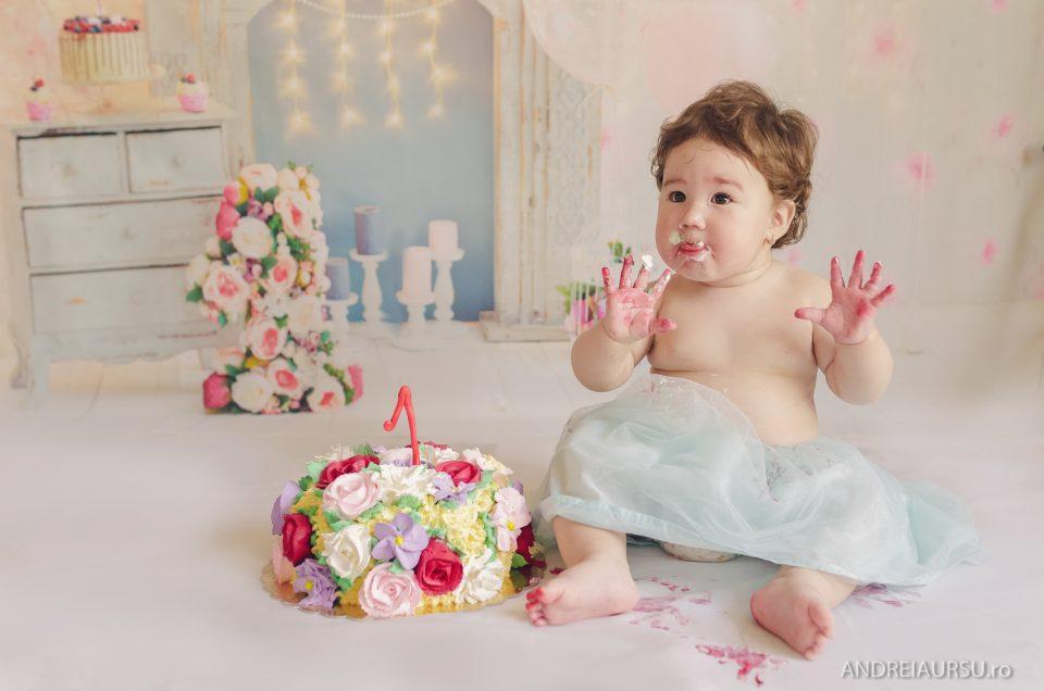 Derya – Smash the cake